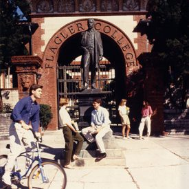 Image of students in front of the Henry Flagler statue